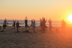 sunset-yoga-beach-night-moliets